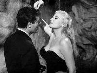 """Editura Corint – 50% reducere si """"La dolce vita"""" – DVD"""